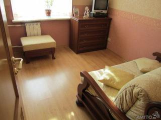 Продажа комнаты в трёхкомнатной квартире, Свердлова ул., 43