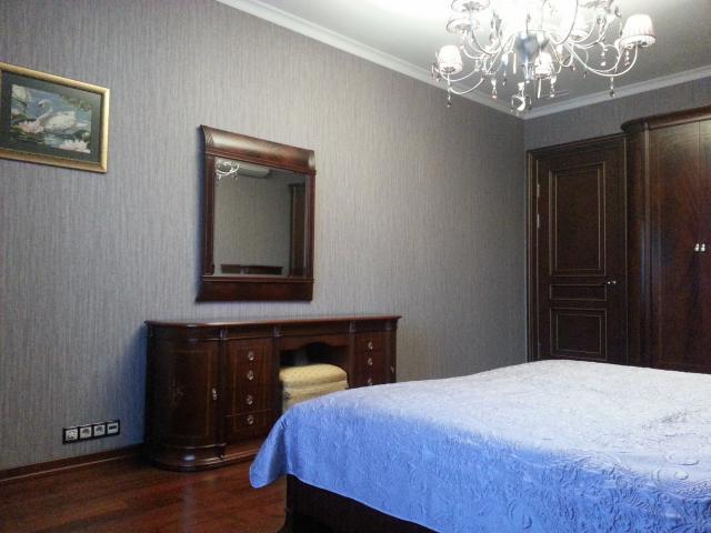 Сдается 4-комнатная квартира, Чапаевский пер., 3