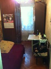 Продажа комнаты в трёхкомнатной квартире,