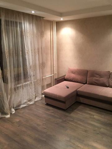 Продается 1-комнатная квартира, Изумрудный кв-л, 1