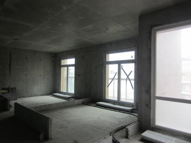 None-к квартира, 234 м2, 2 /4 эт.