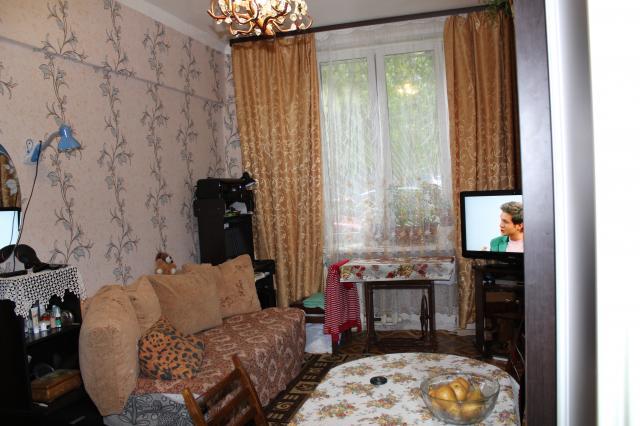 Продается комната в 3-комнатной квартире, Трофимова ул., 24К2