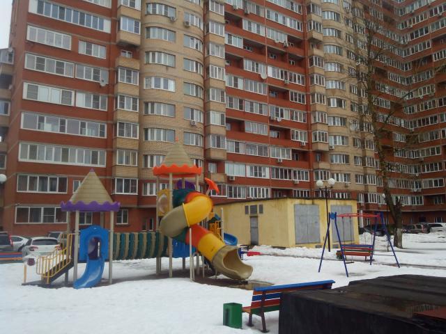 Продается 3-комнатная квартира, Дзержинского ул., 8