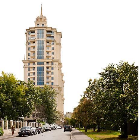 Якиманский пер. ,  6